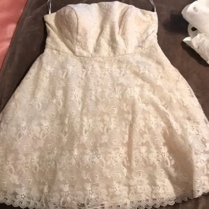 ModCloth strapless lace white dress